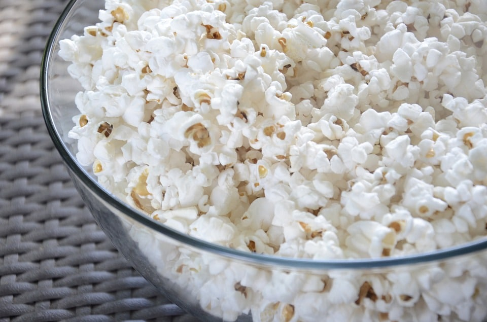 popcorn-802047_960_720